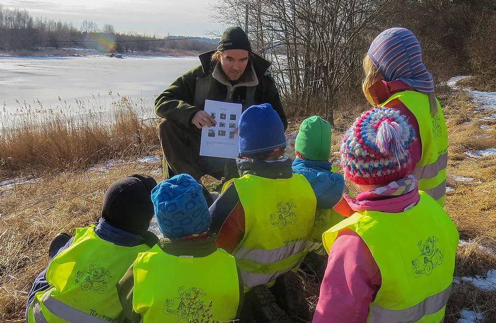 Nature Guide Randy Gunnar Bohmann-Lange mit Kindern
