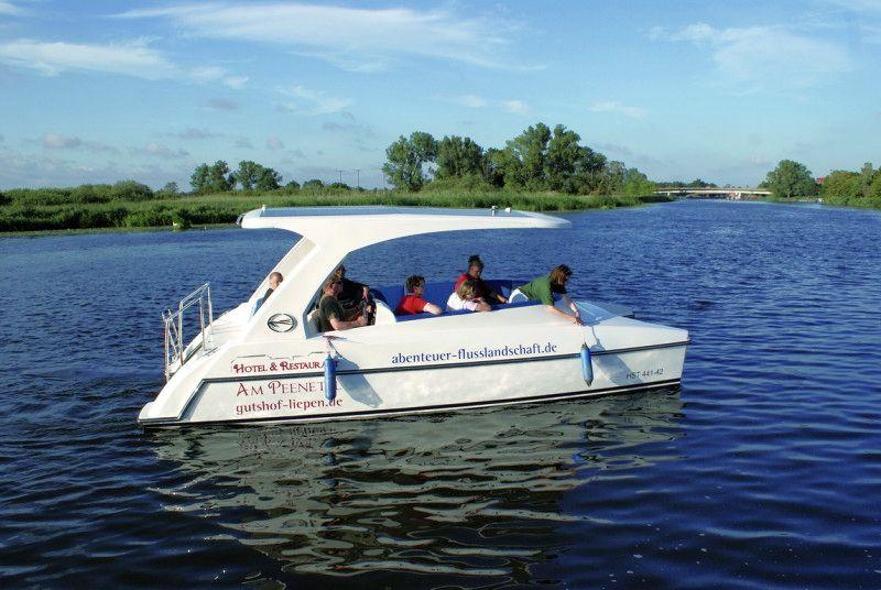 Solarboote Gutshof Liepen auf der Peene